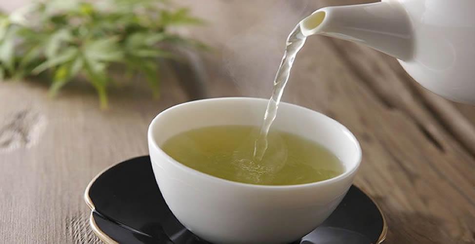 O chá de Carambolas facilita a redução das taxas de glicose na corrente sanguínea.