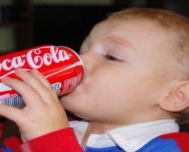 razões para não dar refrigerante às crianças