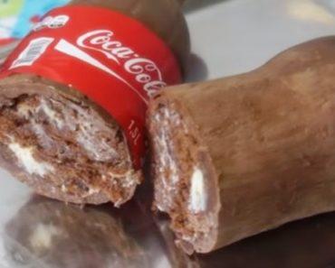 Bolo rápido e simples na garrafa de Coca-cola