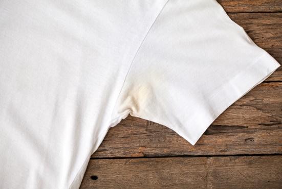 Resultado de imagem para mancha de desodorante