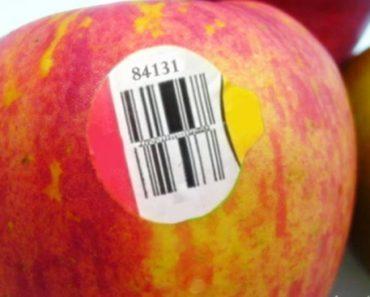 adesivos nas frutas nos mercados