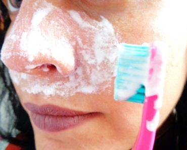 pasta de dente no nariz