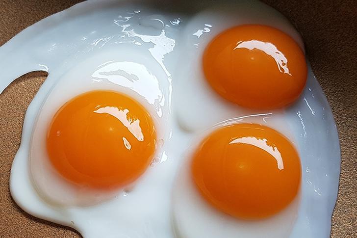 3 ovos fritos