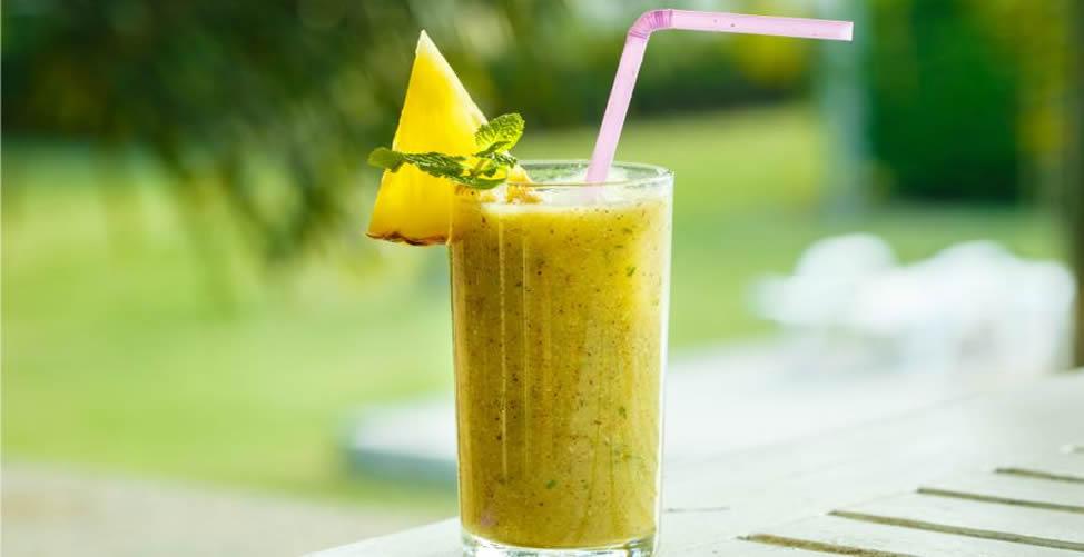 Vitamina de Fruta Para Limpar o Corpo - Abacaxi