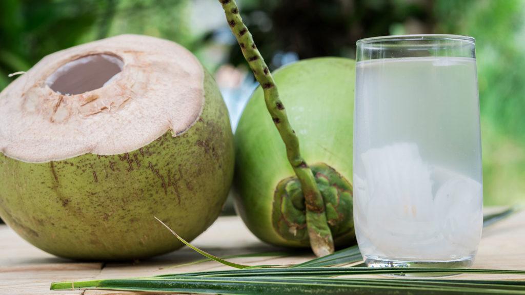 10-beneficios-da-agua-de-coco-para-a-sua-saude